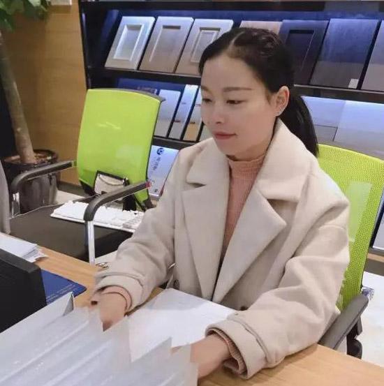 访创美·樂宜嘉环保家装体验馆客服部材料主管杨云